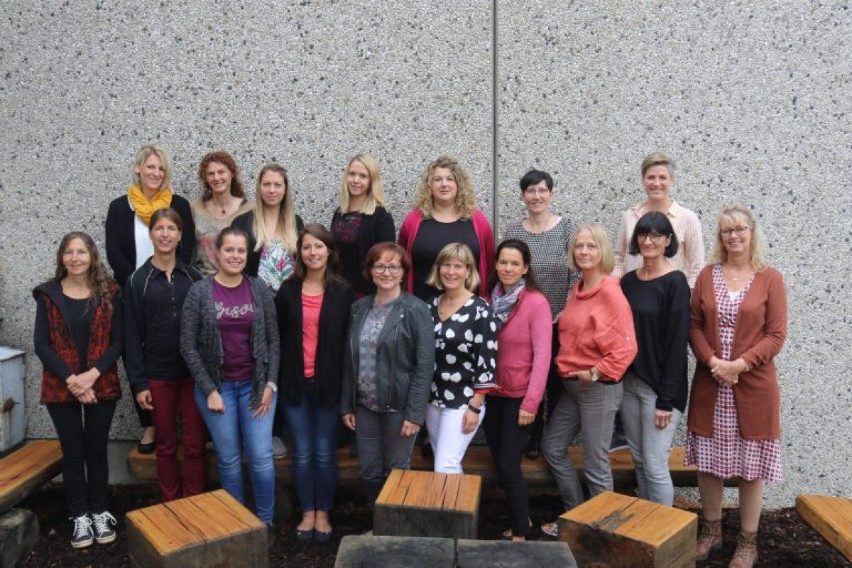 https://www.homburgschule-neuhausen-ob-eck.de/wp-content/uploads/2020/02/Lehrerkollegium-2019-und-2020-1200x800.jpg