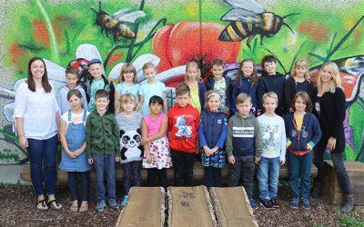 https://www.homburgschule-neuhausen-ob-eck.de/wp-content/uploads/2020/09/Klasse-2a-mit-Jennifer-Laufer-und-Tanja-Zanner-1-400x250.jpg