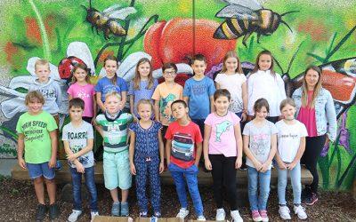 https://www.homburgschule-neuhausen-ob-eck.de/wp-content/uploads/2020/09/Klasse-3b-mit-Dana-Niersberger-400x250.jpg