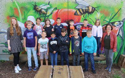 https://www.homburgschule-neuhausen-ob-eck.de/wp-content/uploads/2020/09/Klasse-4a-mit-Jessica-Kraemer-und-Alexandra-Maier-Lipp-400x250.jpg
