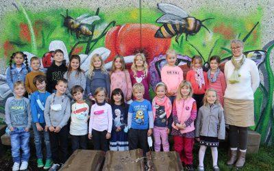 https://www.homburgschule-neuhausen-ob-eck.de/wp-content/uploads/2021/10/Klassenfotos-1a-und-1b-025-scaled-400x250.jpg