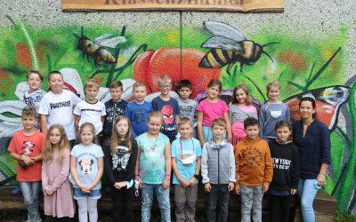 https://www.homburgschule-neuhausen-ob-eck.de/wp-content/uploads/2021/10/Klassenfotos-2021-005-scaled-400x250.jpg