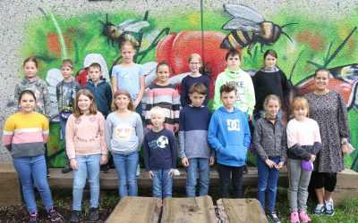 https://www.homburgschule-neuhausen-ob-eck.de/wp-content/uploads/2021/10/Klassenfotos-2021-029-scaled-400x250.jpg