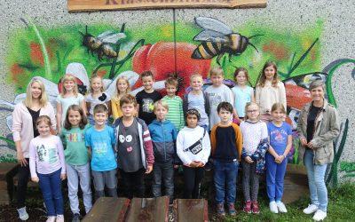 https://www.homburgschule-neuhausen-ob-eck.de/wp-content/uploads/2021/10/Klassenfotos-2021-037-scaled-400x250.jpg